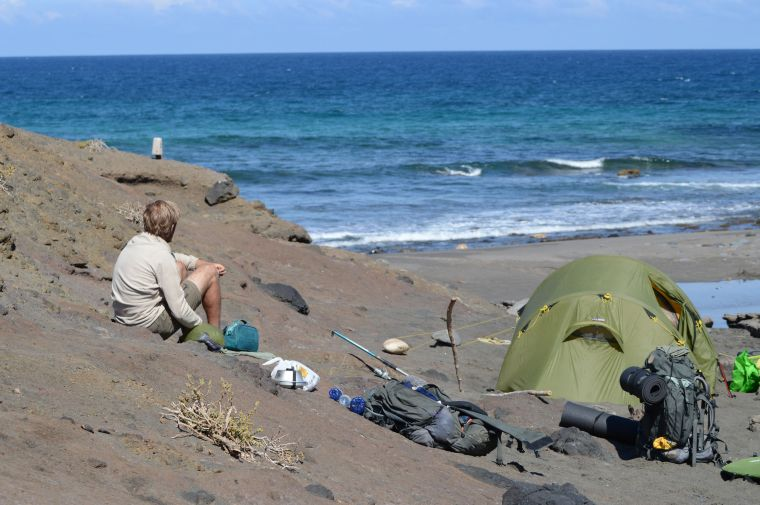 Back camping on safe grounds in La Pared